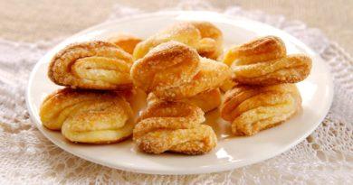 Творожные печенья треугольники с сахаром