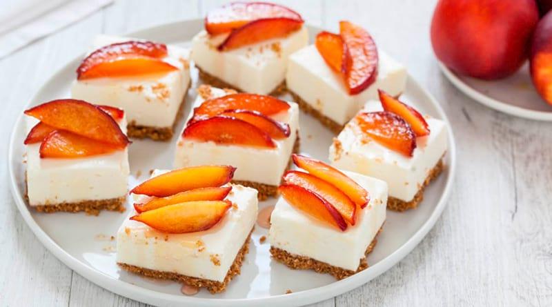 Чизкейк без выпечки с белым шоколадом и персиками