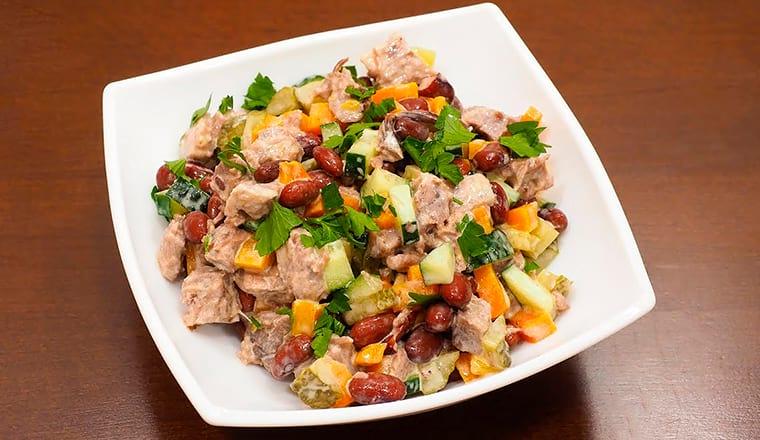 Салат с говядиной из фасоли