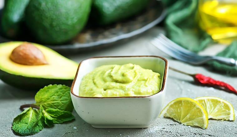 Зеленый авокадо соус