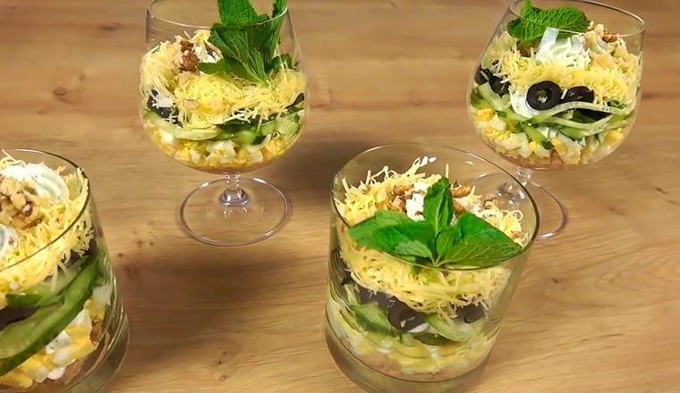 Рецепт с грецкими орехами, тунцом и маслинами