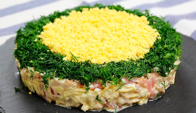 Слоеный салат Минутка