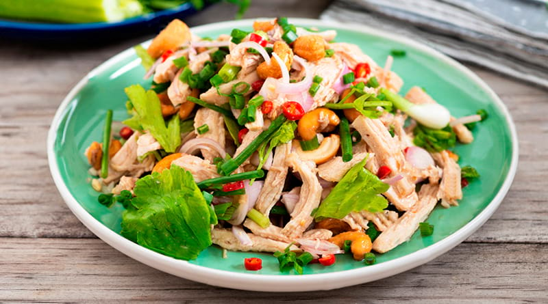 Салат из отварной куриной грудки рецепты простые