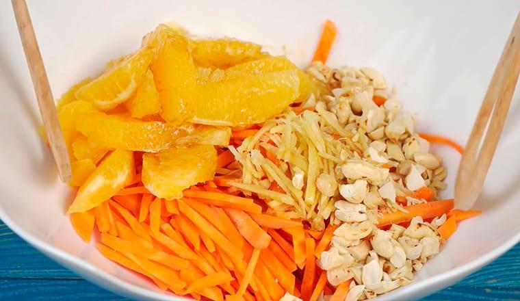 Морковный салат с апельсином и имбирем