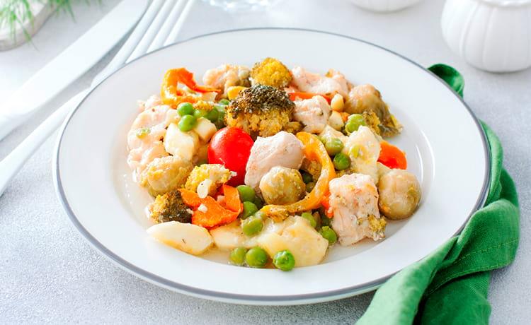 Куриная грудка, запеченная с овощами в рукаве