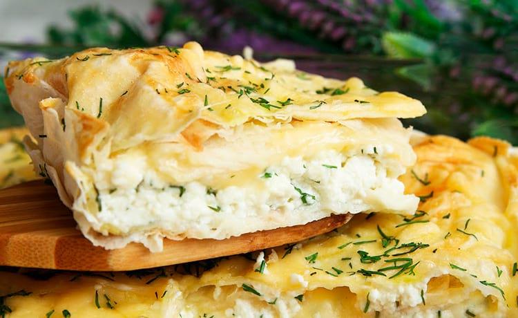 ПП-пирог из лаваша с творогом и сыром