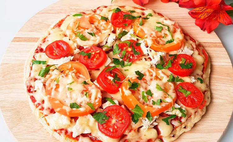 Кабачковая пицца с ветчиной из индейки