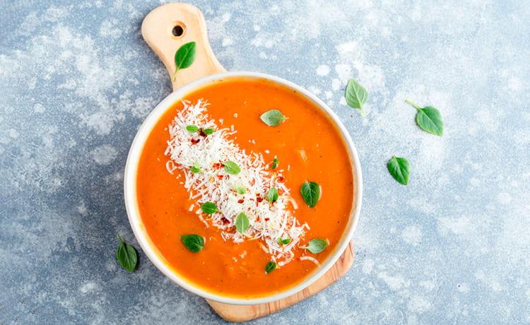 Суп-пюре из тыквы с луком и сливками